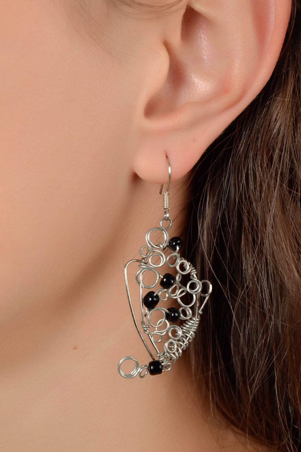 Pendant and earrings made of beads and costume jewelery cord photo 5
