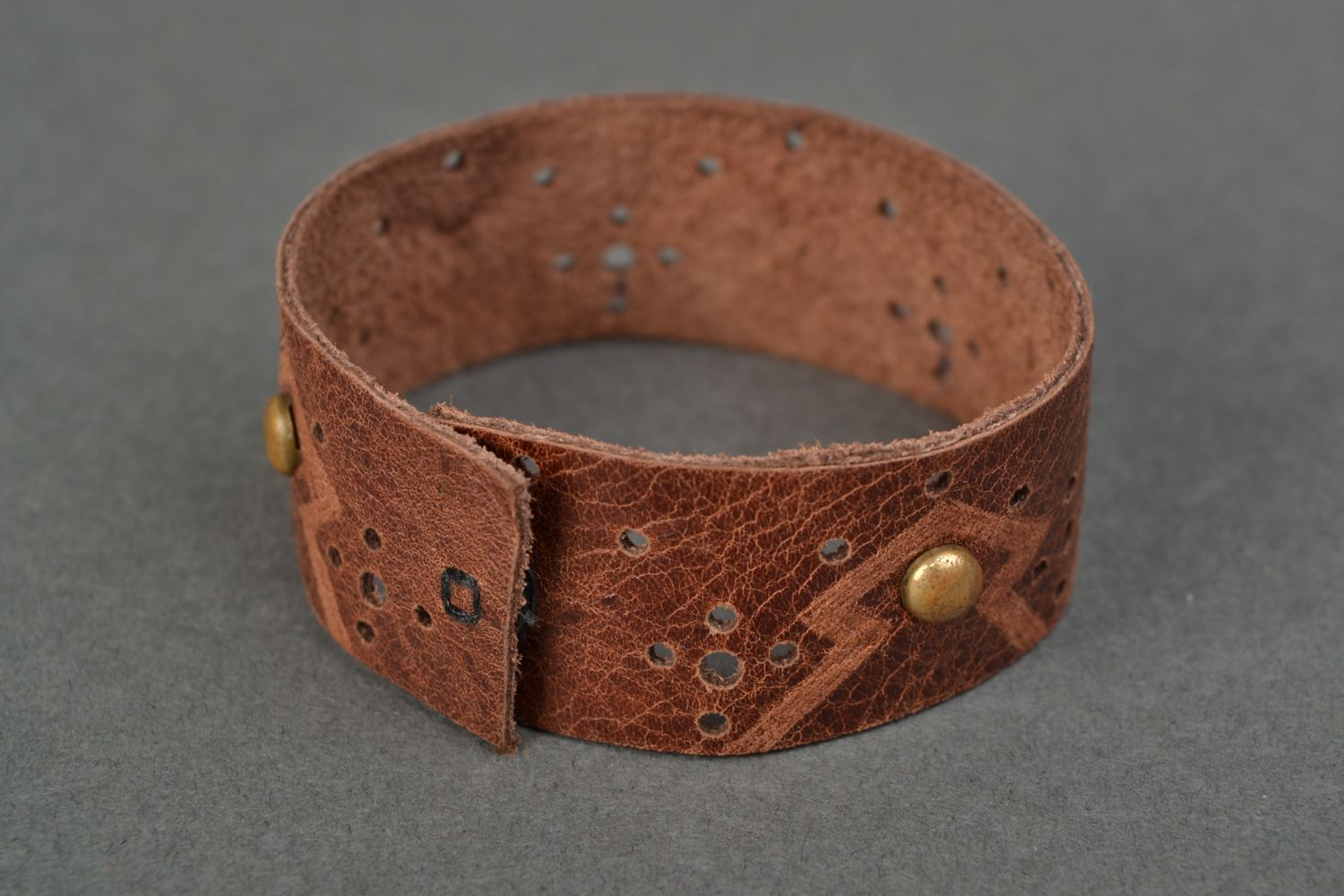 Handmade brown leather bracelet with rivets photo 4