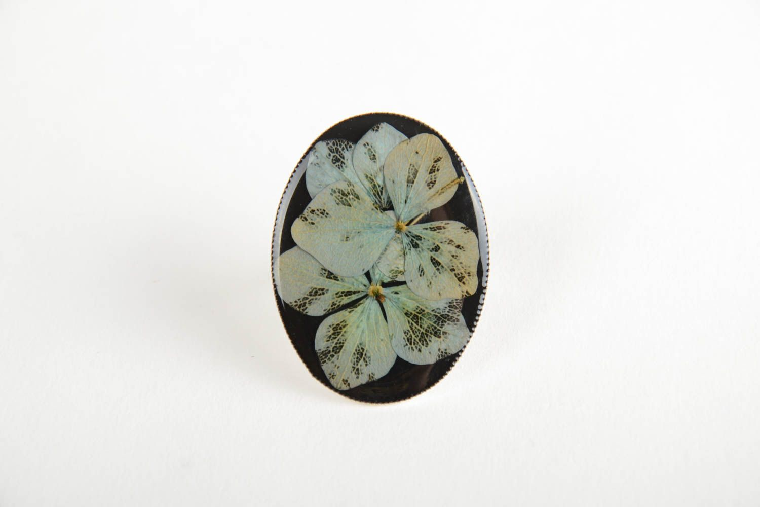 Beautiful handmade designer ring with dried flowers coated with epoxy photo 4