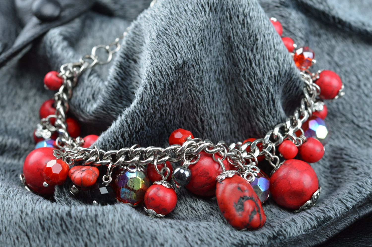Handmade red thin wrist bracelet on chain with turquoise beads photo 5