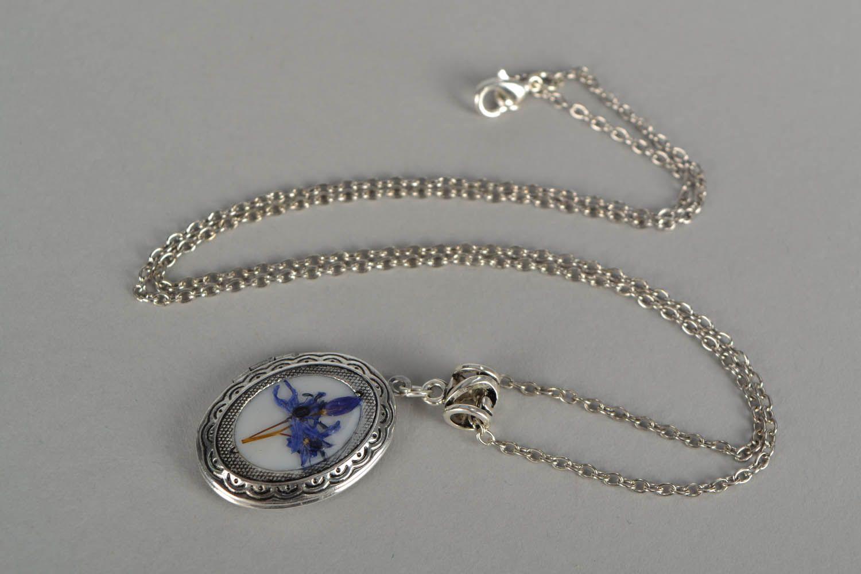 Vintage medallion pendant photo 3