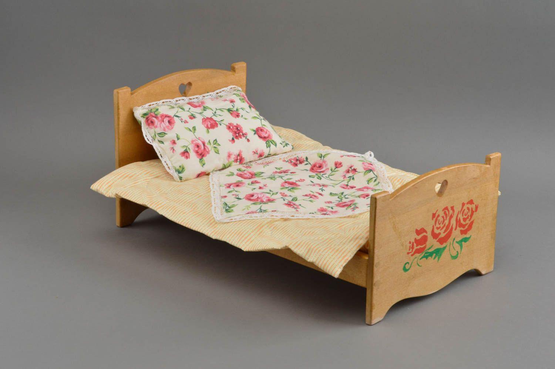 Самому сделать кроватку для куклы своими руками7