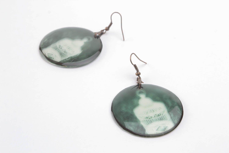 Epoxy resin earrings Negative photo 5