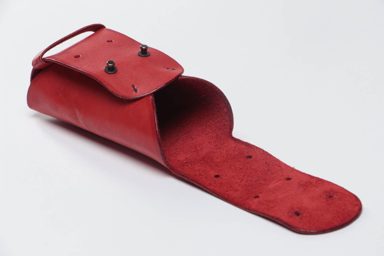40458e8e10 las fundas para gafas Estuche para gafas del sol artesanal de cuero natural  rojo para mujer