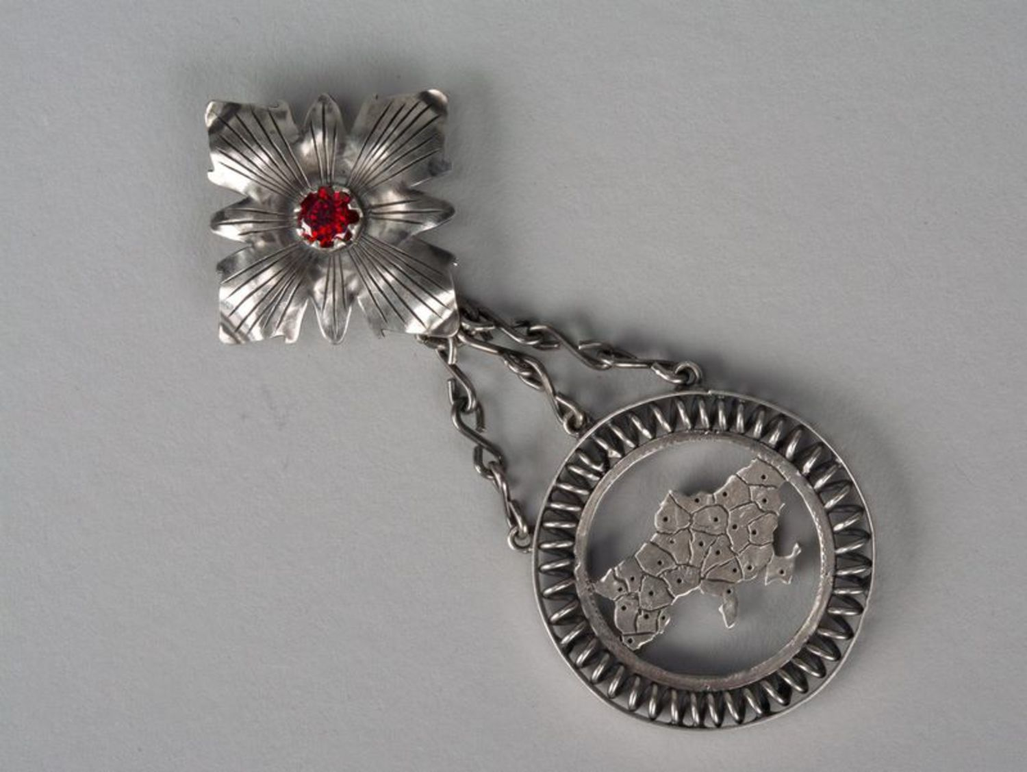 metal jewelry Silver pendant