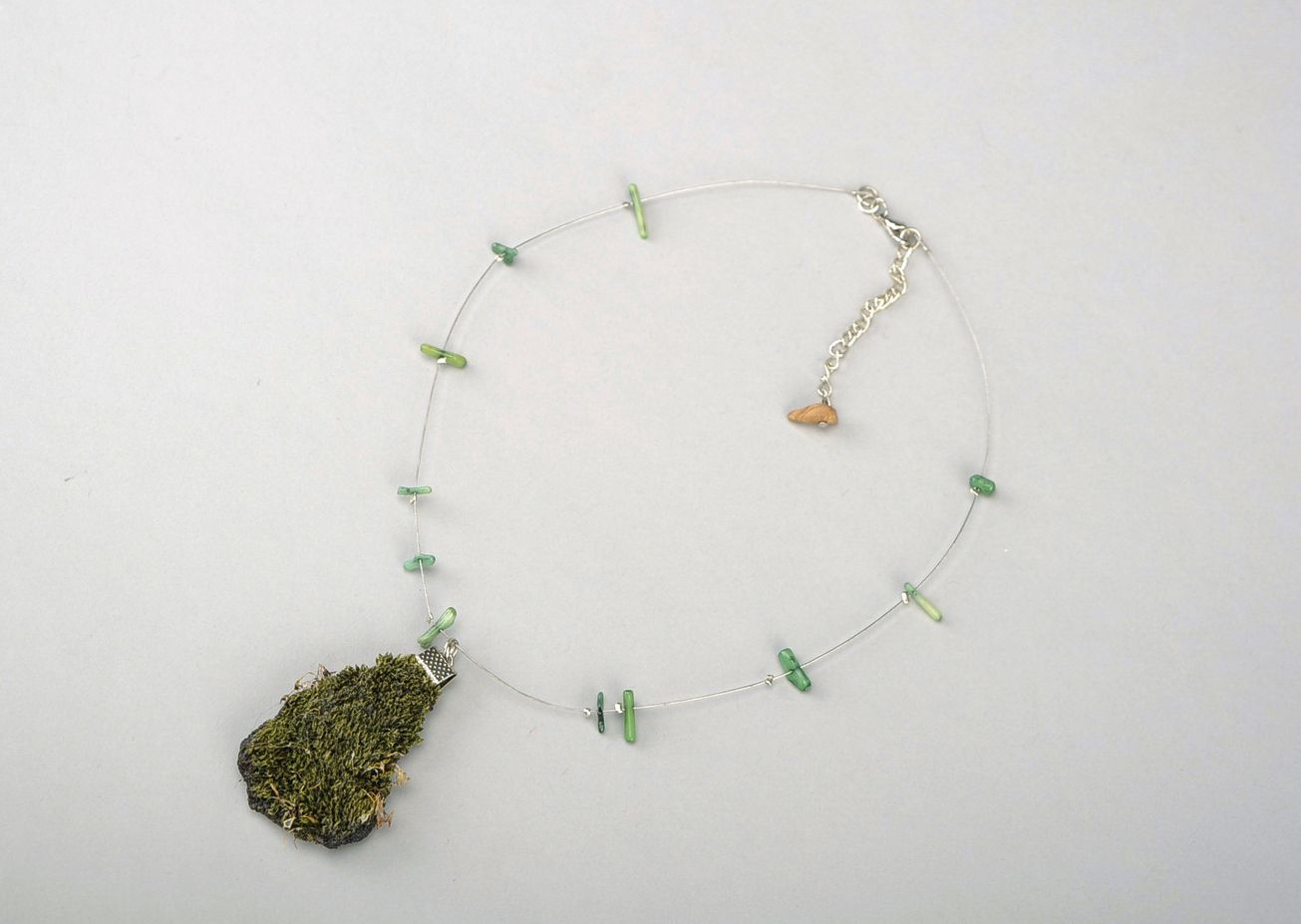 Pendant made of natural moss photo 3