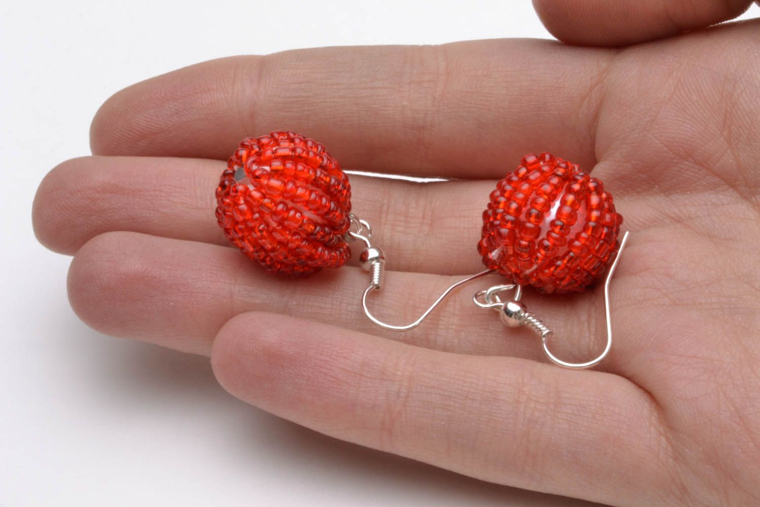 Earrings with red beads photo 5