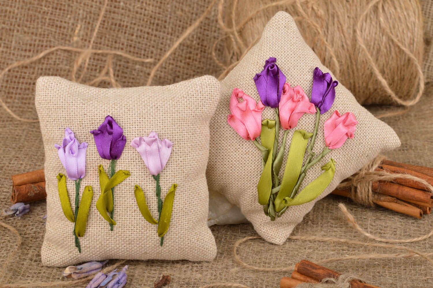 Set of 2 handmade decorative fragrant sachet pillows with herbs for home  photo 1