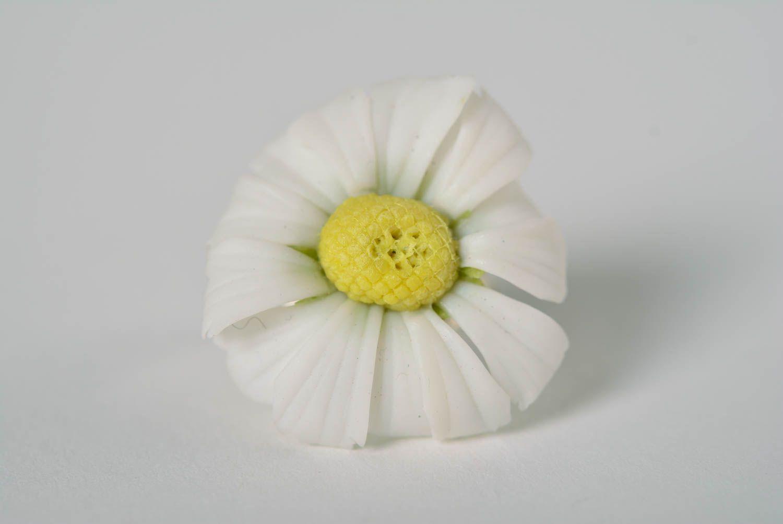 Madeheart beautiful handmade designer plastic flower ring of white polymer clay rings beautiful handmade designer plastic flower ring of white color daisy madeheart izmirmasajfo