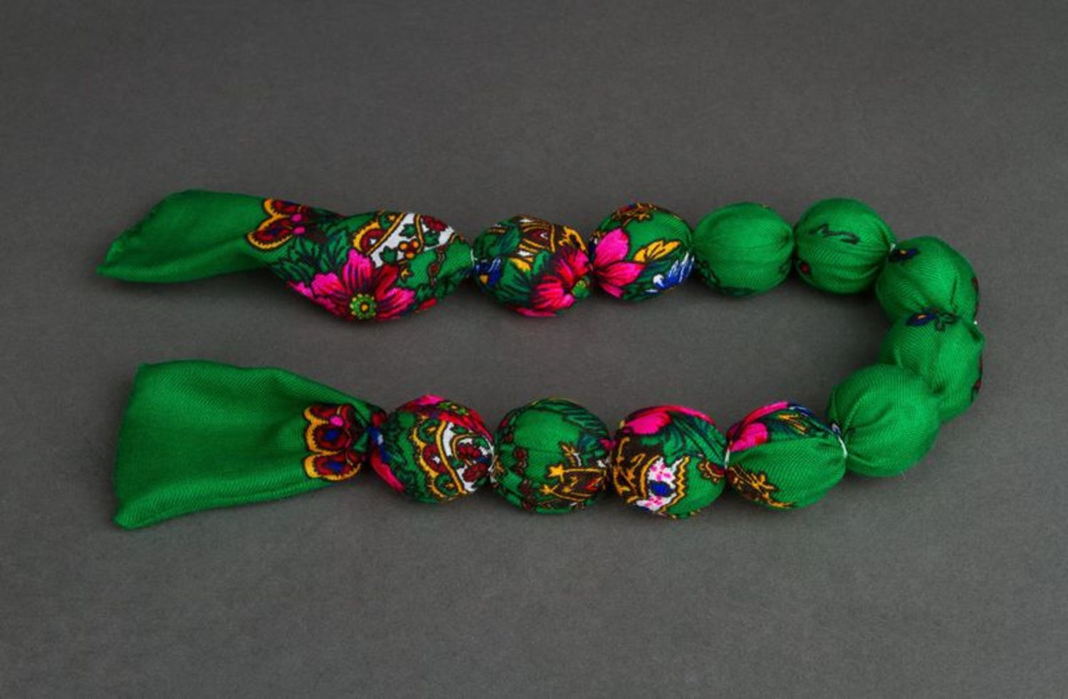 Bead necklace in ethnic style photo 2