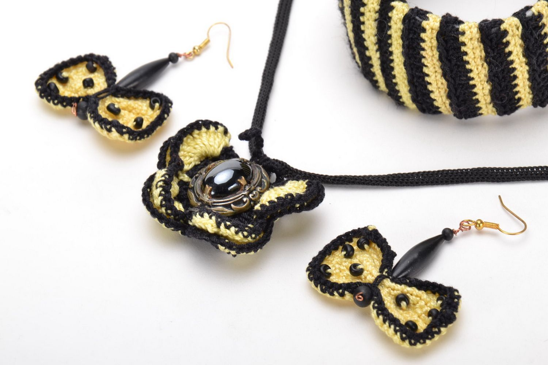 Комплект украшений вязаных крючком фото 3