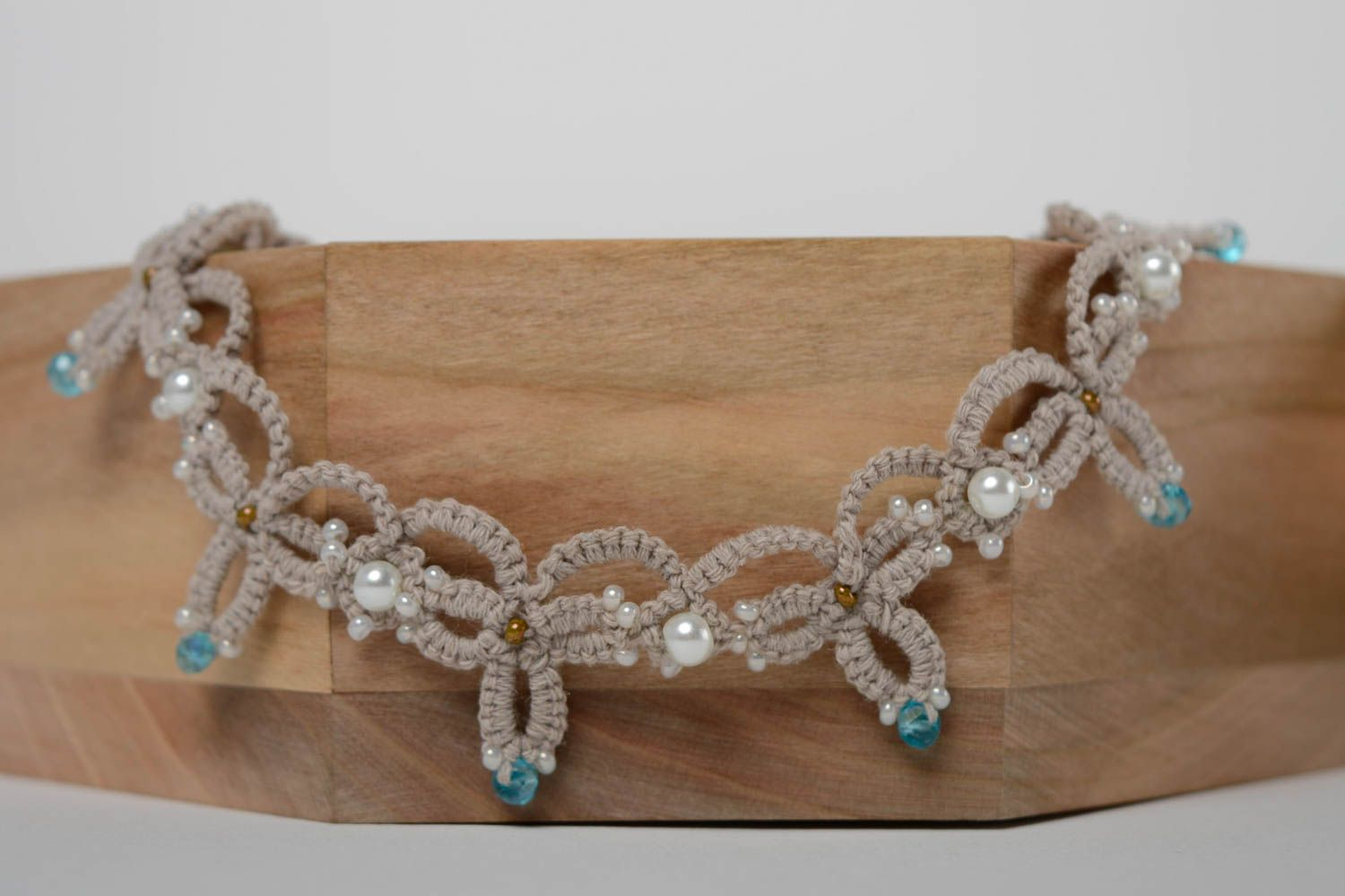Woven beaded necklace photo 4