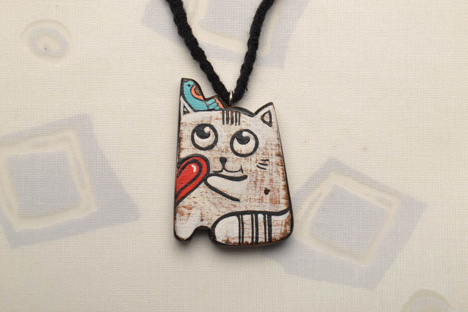 Wooden pendant in the shape of cat photo 1