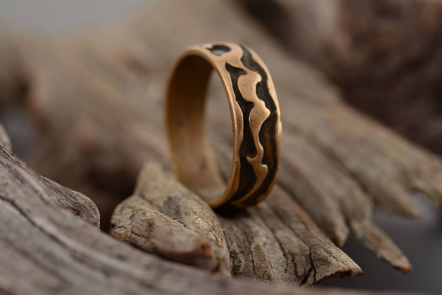 Plain bronze ring photo 1