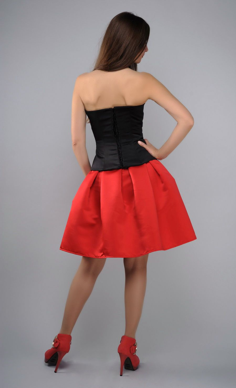 Costume in ethnic style, red and black photo 4