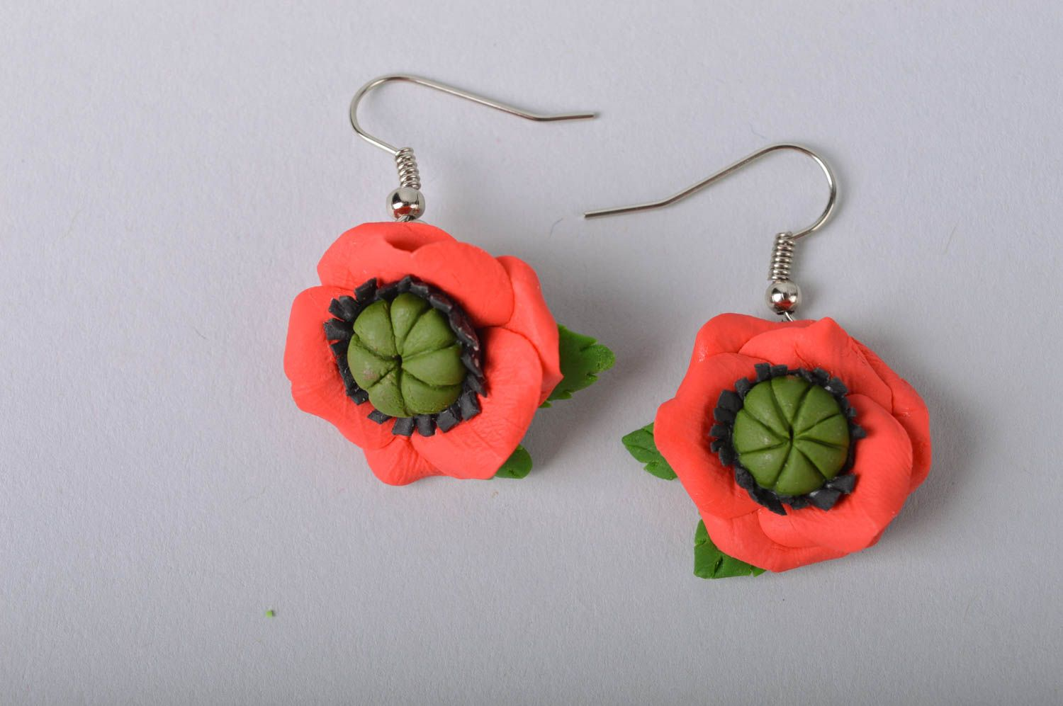 Handmade designer floral cold porcelain dangling earrings red poppies photo 2
