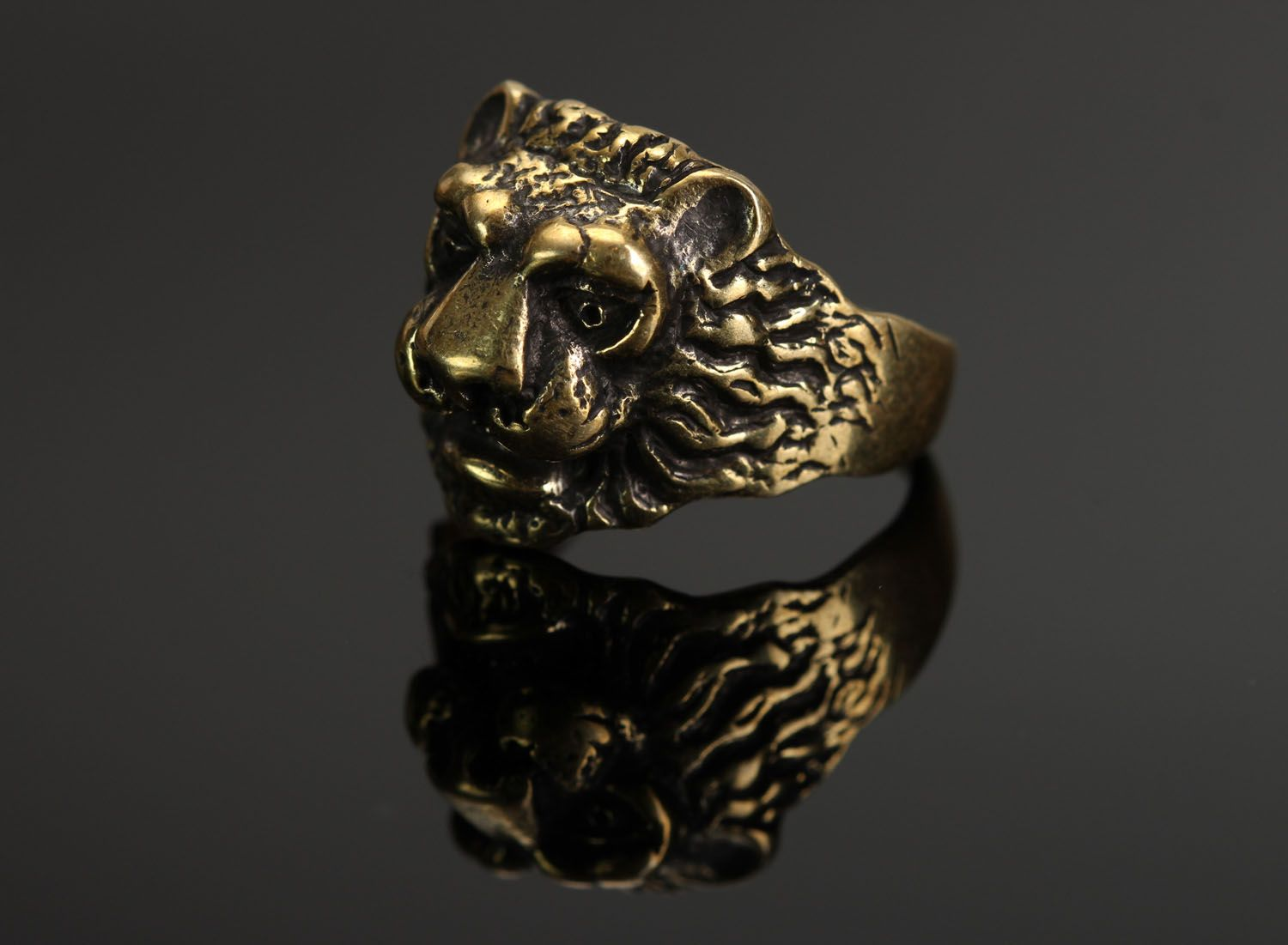 Bronze ring Lion photo 1