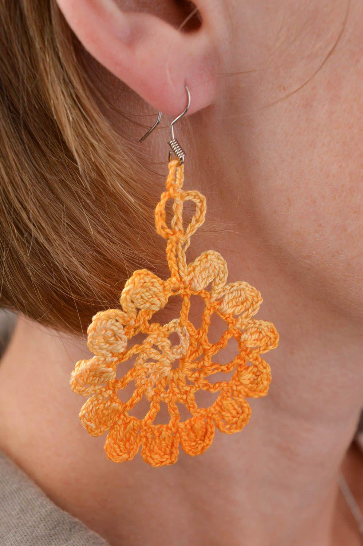 1a1d588a5d0d pendientes con colgantes Pendientes tejidos hechos a mano aretes originales  complemento para mujer - MADEheart.