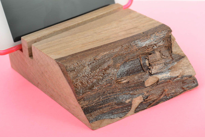MADEHEART > Öko handmade Handyständer Holz kompakt schön ...