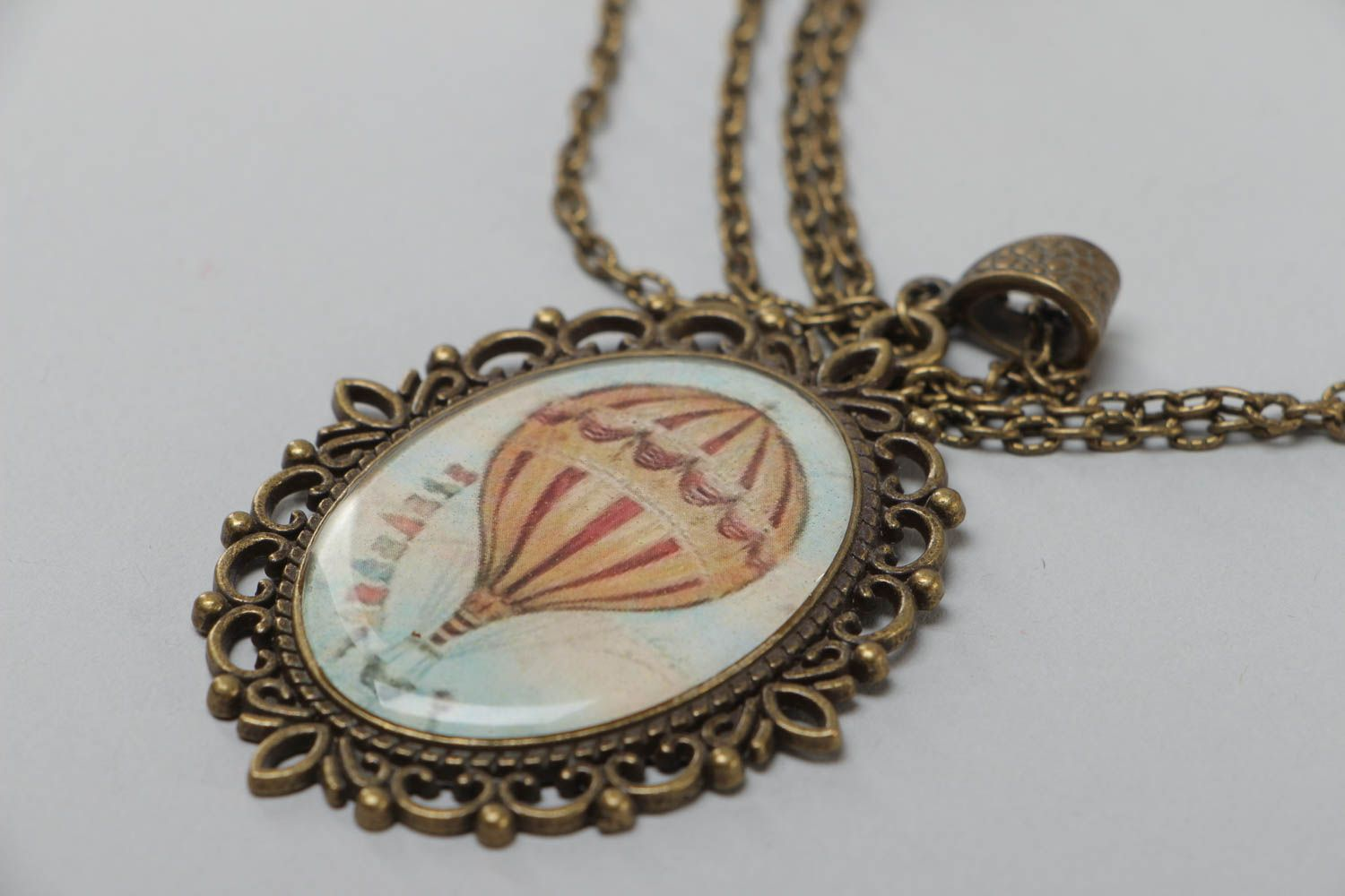 Handmade oval metal pendant with hot air balloon image on long chain 840 mm photo 3