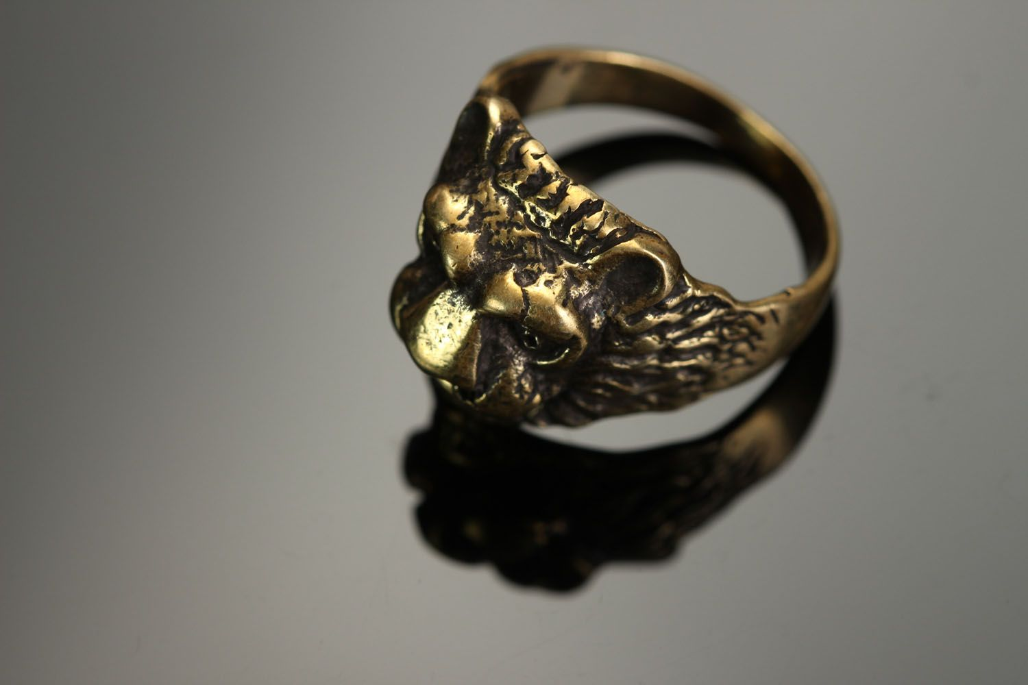 Bronze ring Lion photo 2