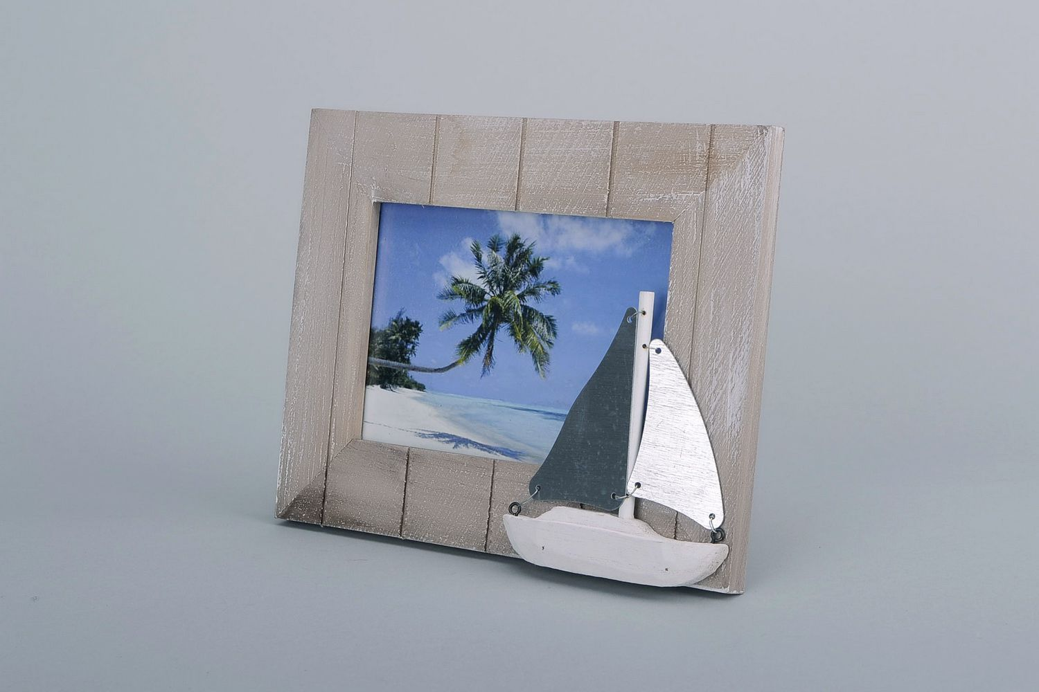 Photo frame made of alder wood photo 1