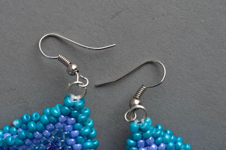 Massive blaue handgemachte Ohrringe aus Glasperlen für stilvolle Damen Quadrate foto 4