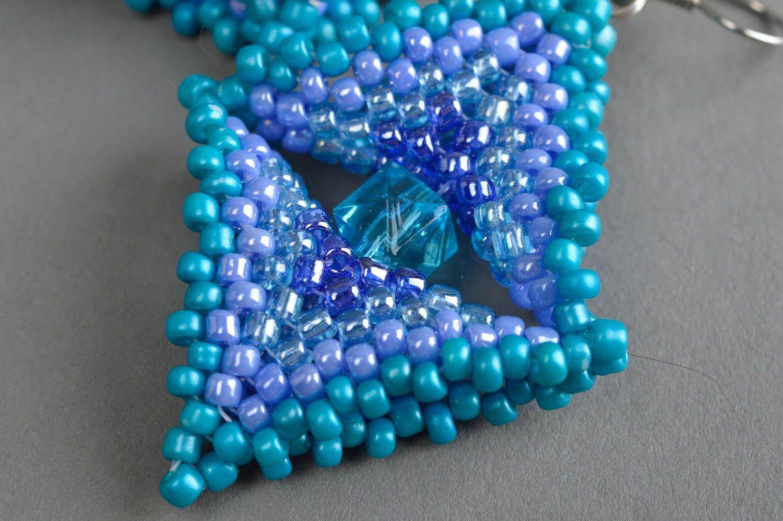 Massive blaue handgemachte Ohrringe aus Glasperlen für stilvolle Damen Quadrate foto 5