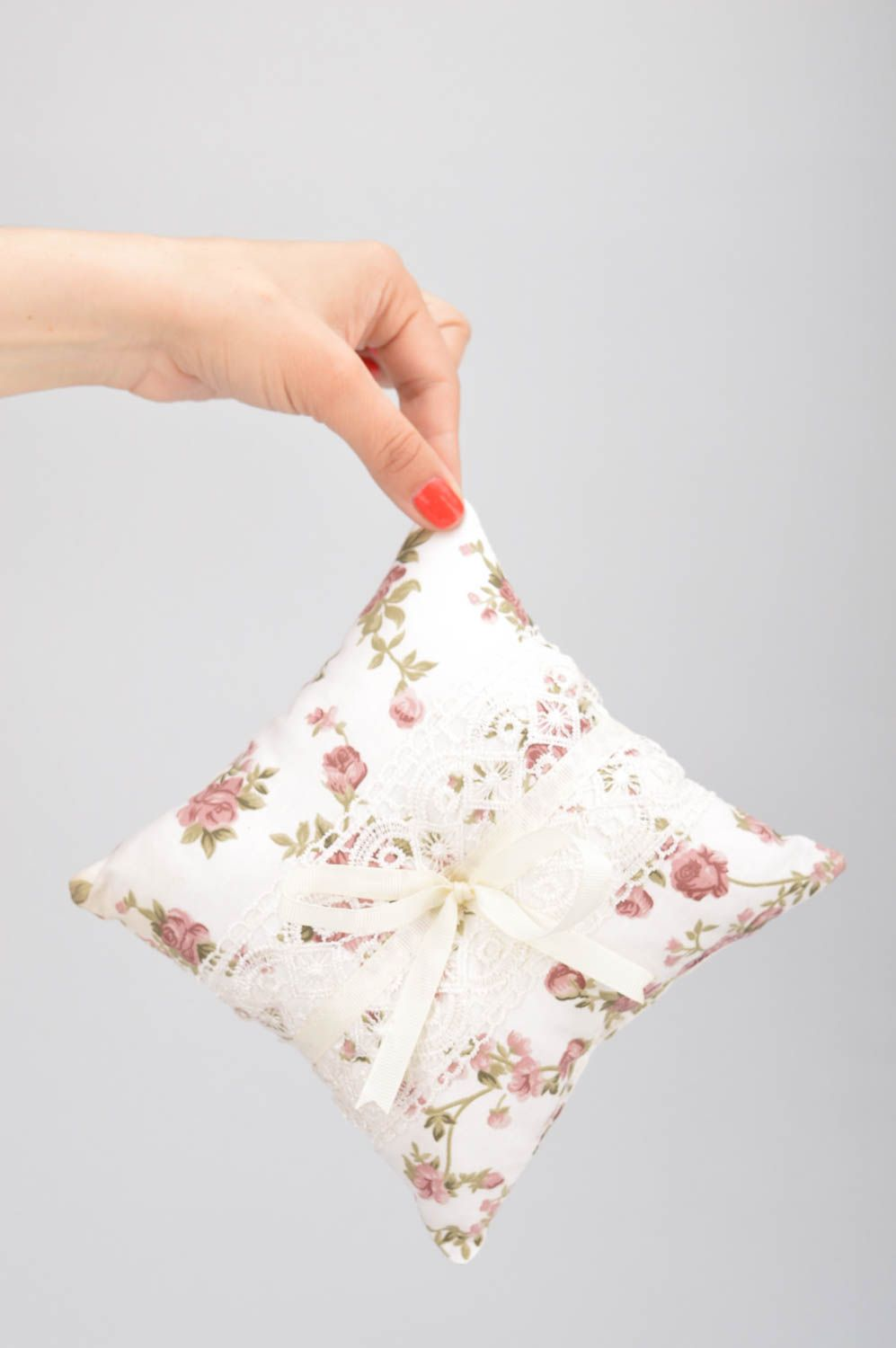wedding accessories Homemade designer cotton fabric white ring pillow with flower pattern and lace - MADEheart.com