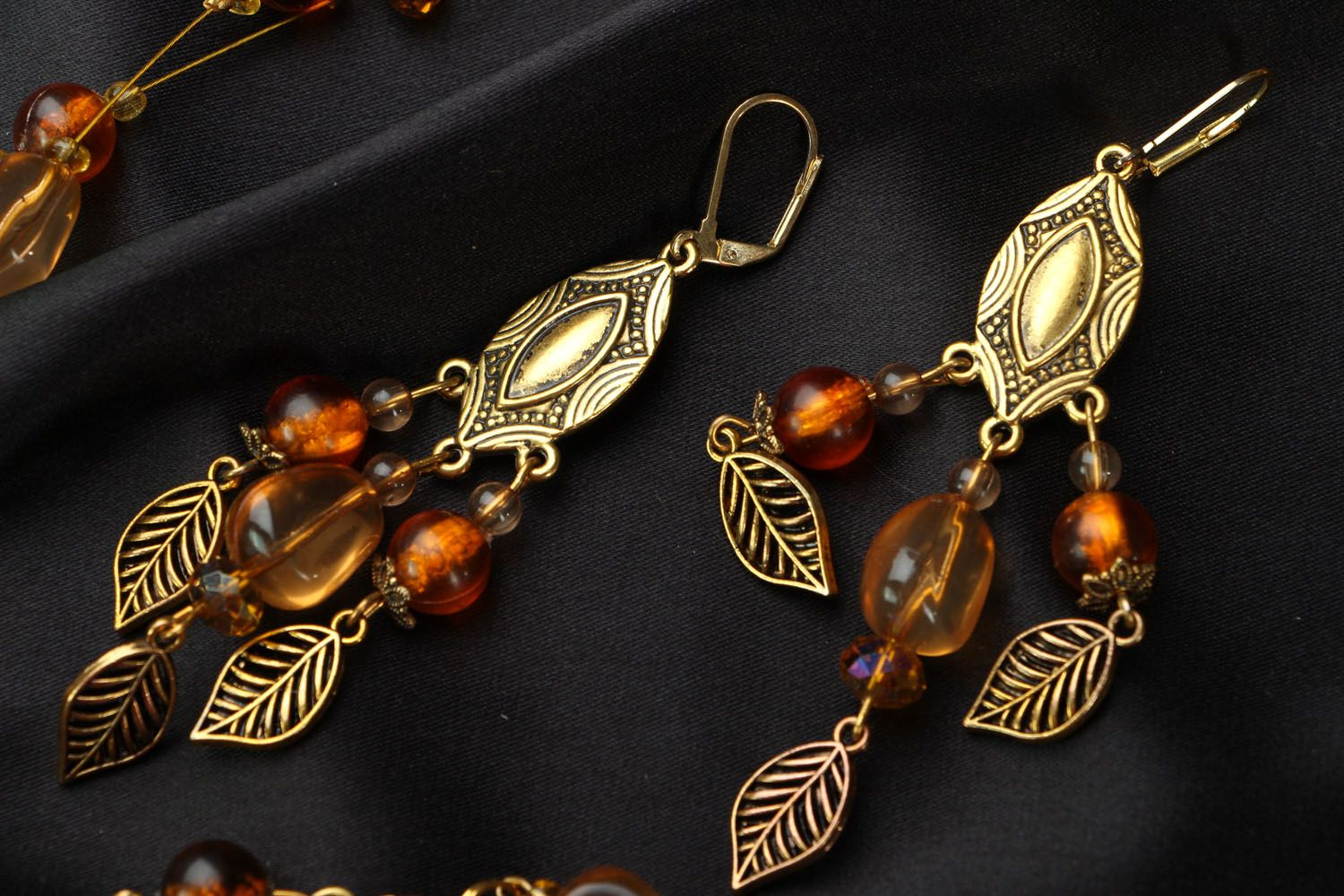 Jewelry set with amber and Czech glass photo 3
