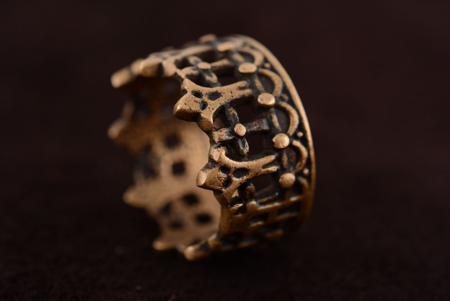 Crown-shaped bronze ring photo 5