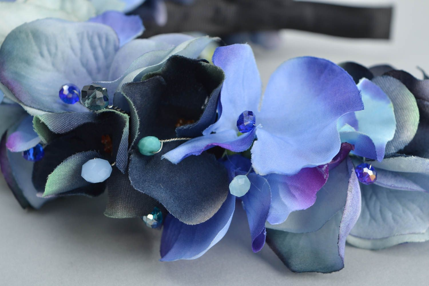 Headband with artificial flowers Violets photo 4