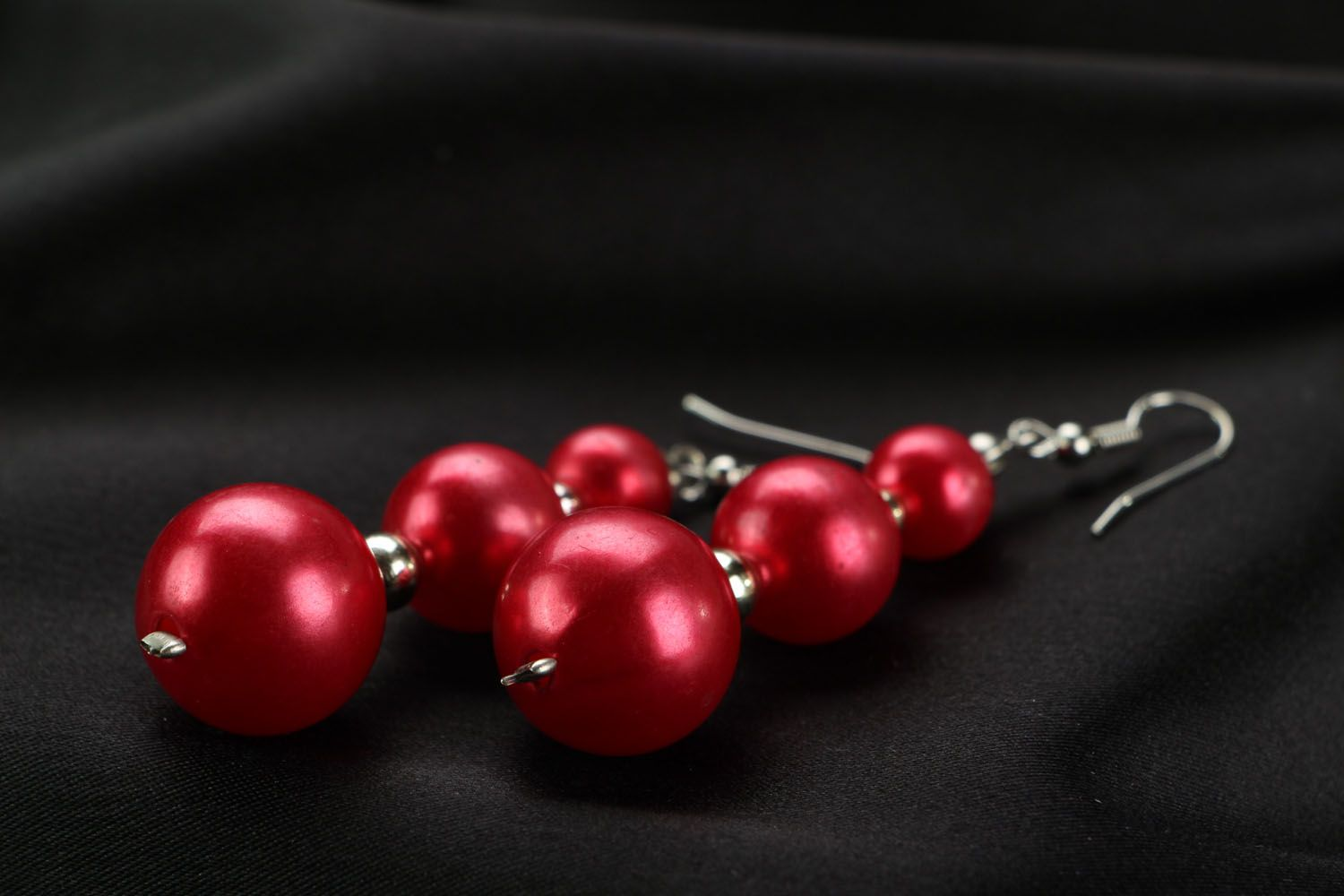 Long earrings with red beads photo 2