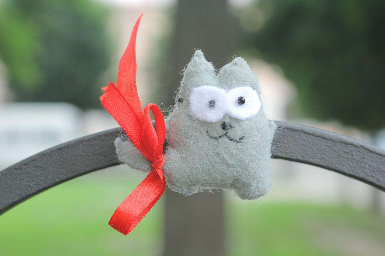 Soft fridge magnet Gray Cat photo 1