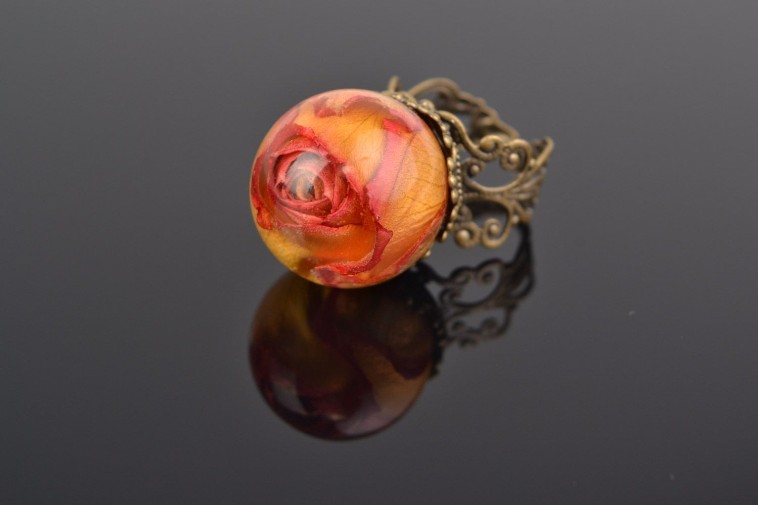 Orange and pink handmade ring with real rose coated with epoxy photo 5