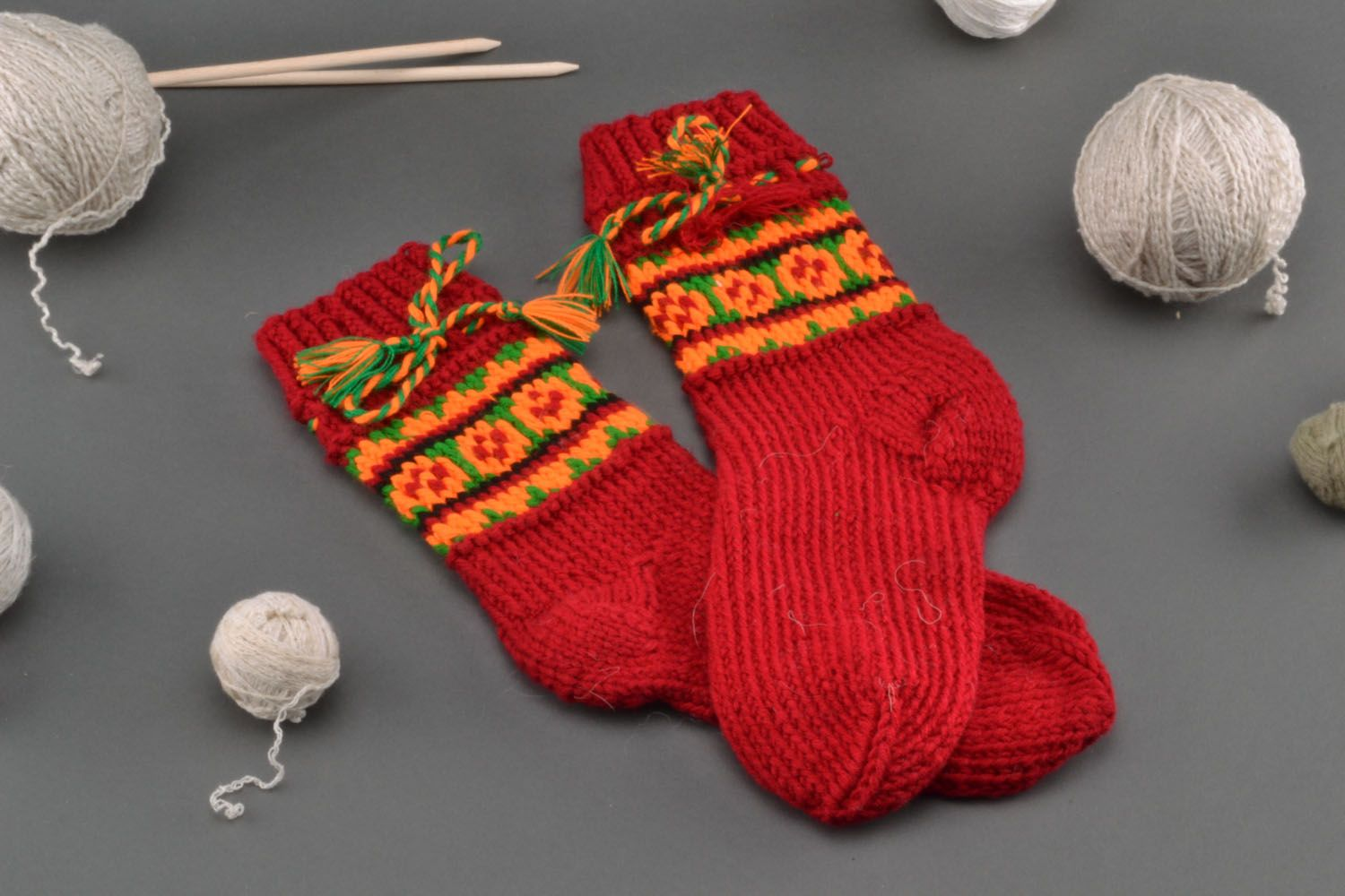 Woolen knitted socks Red photo 1
