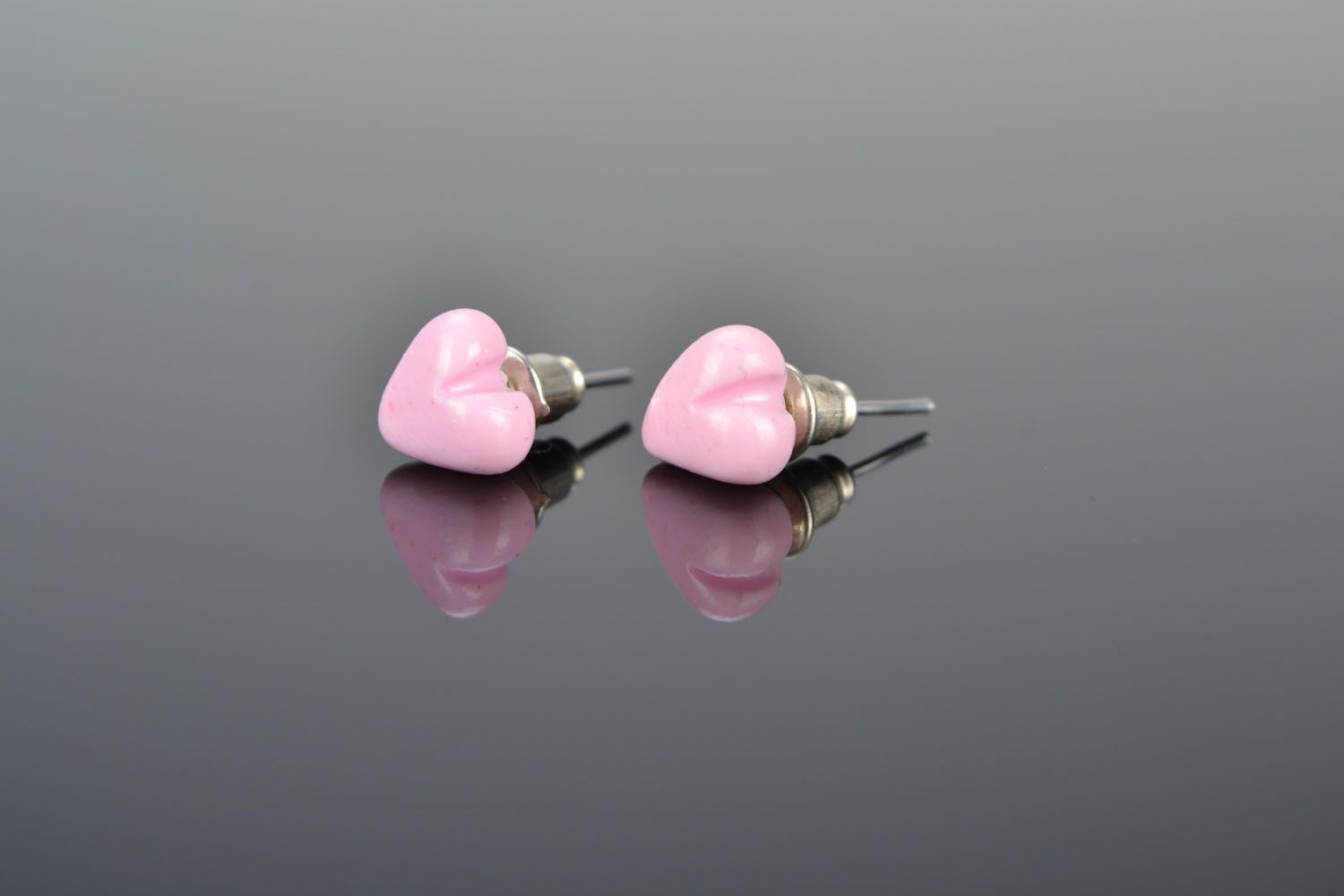 Stud earrings Hearts photo 1