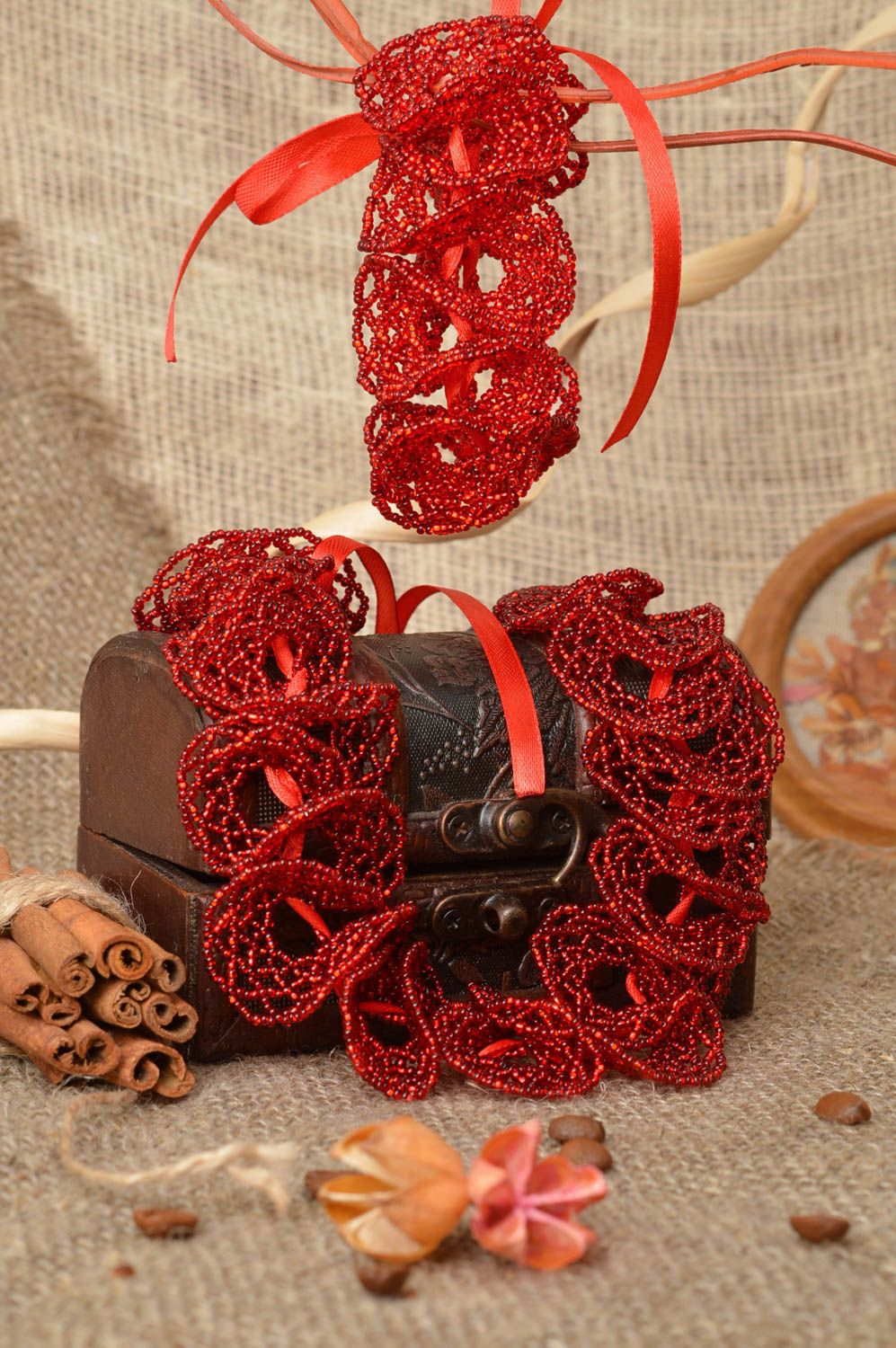 Set of handmade red bead woven jewelry 2 items wrist bracelet and necklace photo 1