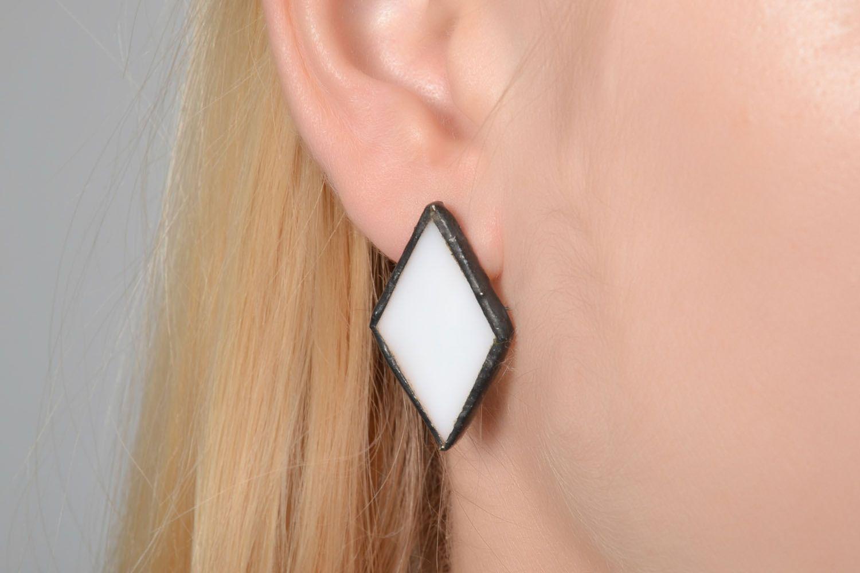 Diamond-shaped glass earrings photo 2