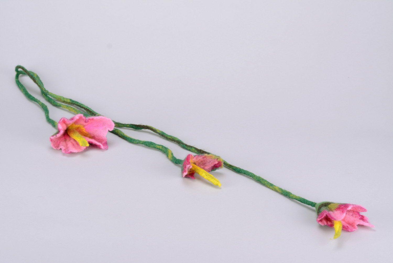 Украшение из валяной шерсти Лилии фото 3