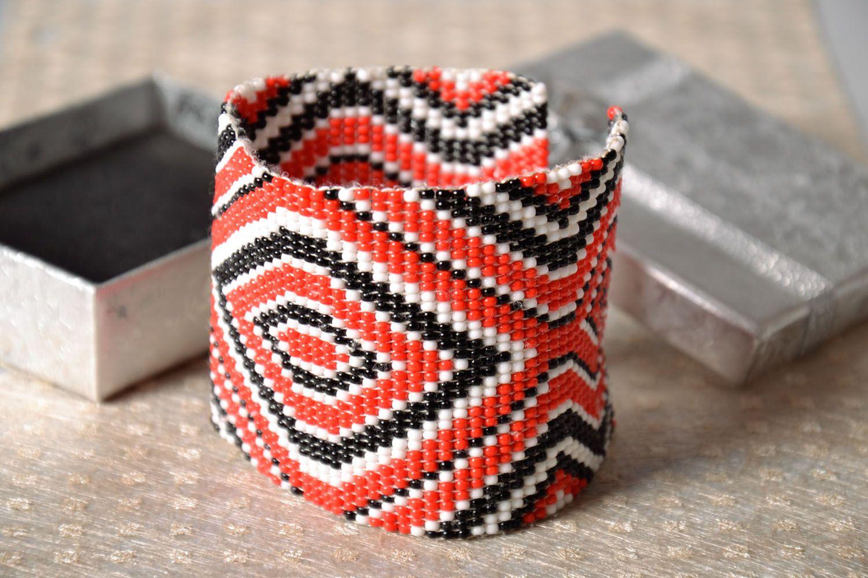 Модный браслет из бисера  фото 1