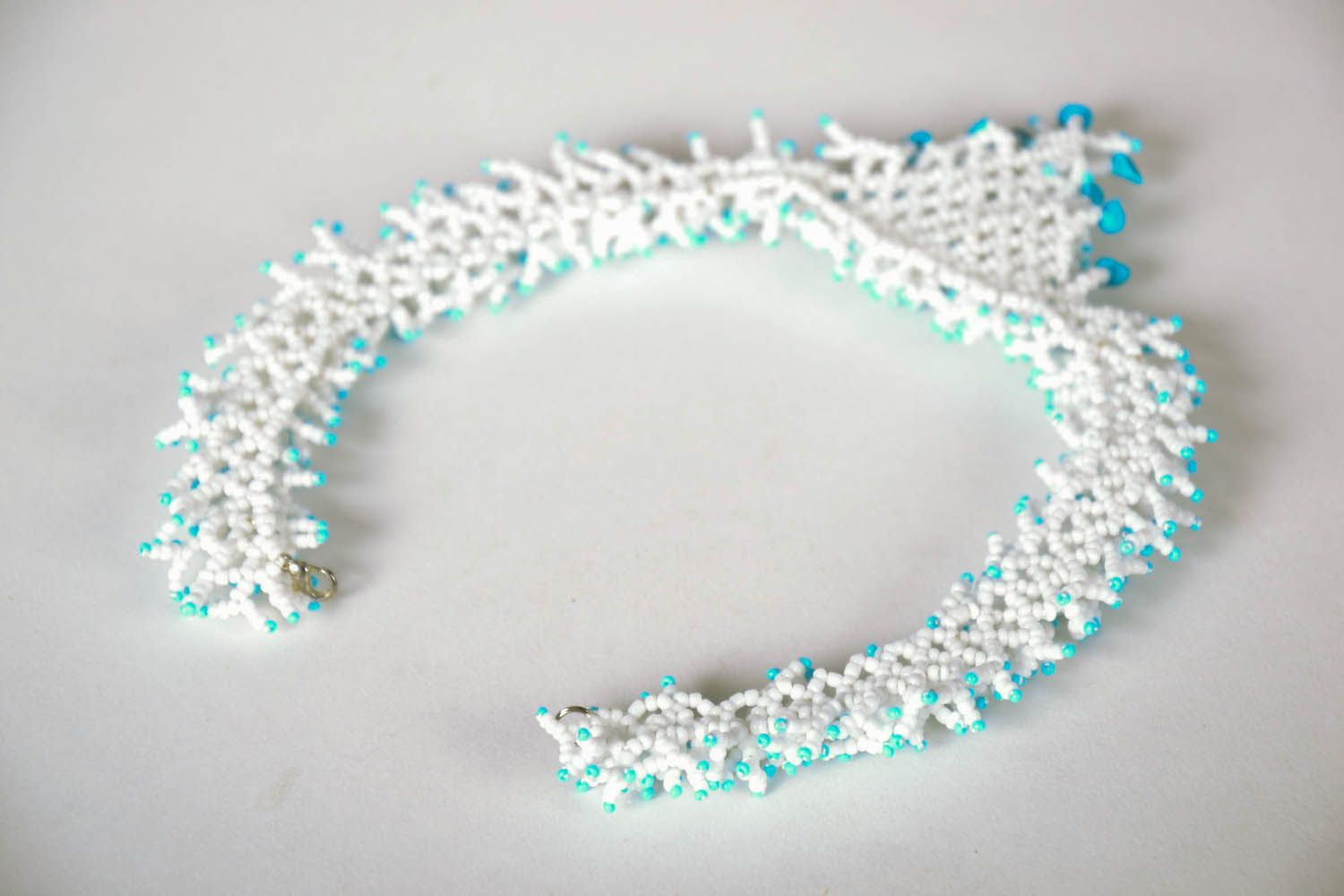 Beaded necklace White Corals photo 3