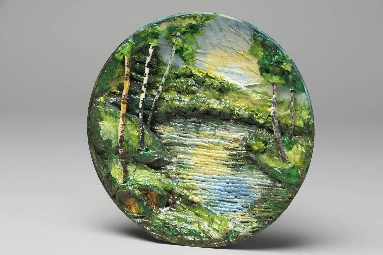 MADEHEART > Plato de papel maché paisaje con tintes acrílicos
