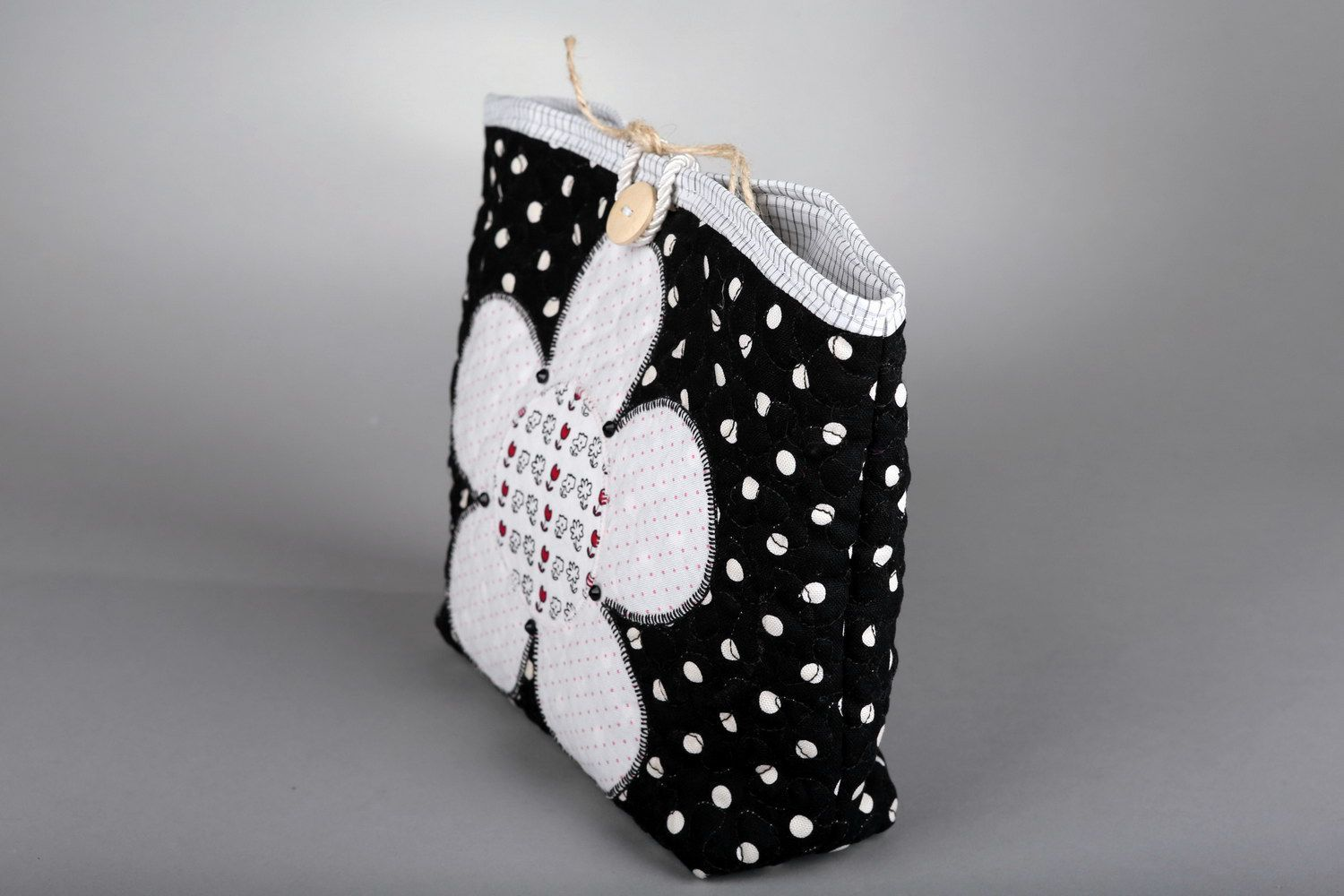Women's buttoned beauty bag Flower photo 2