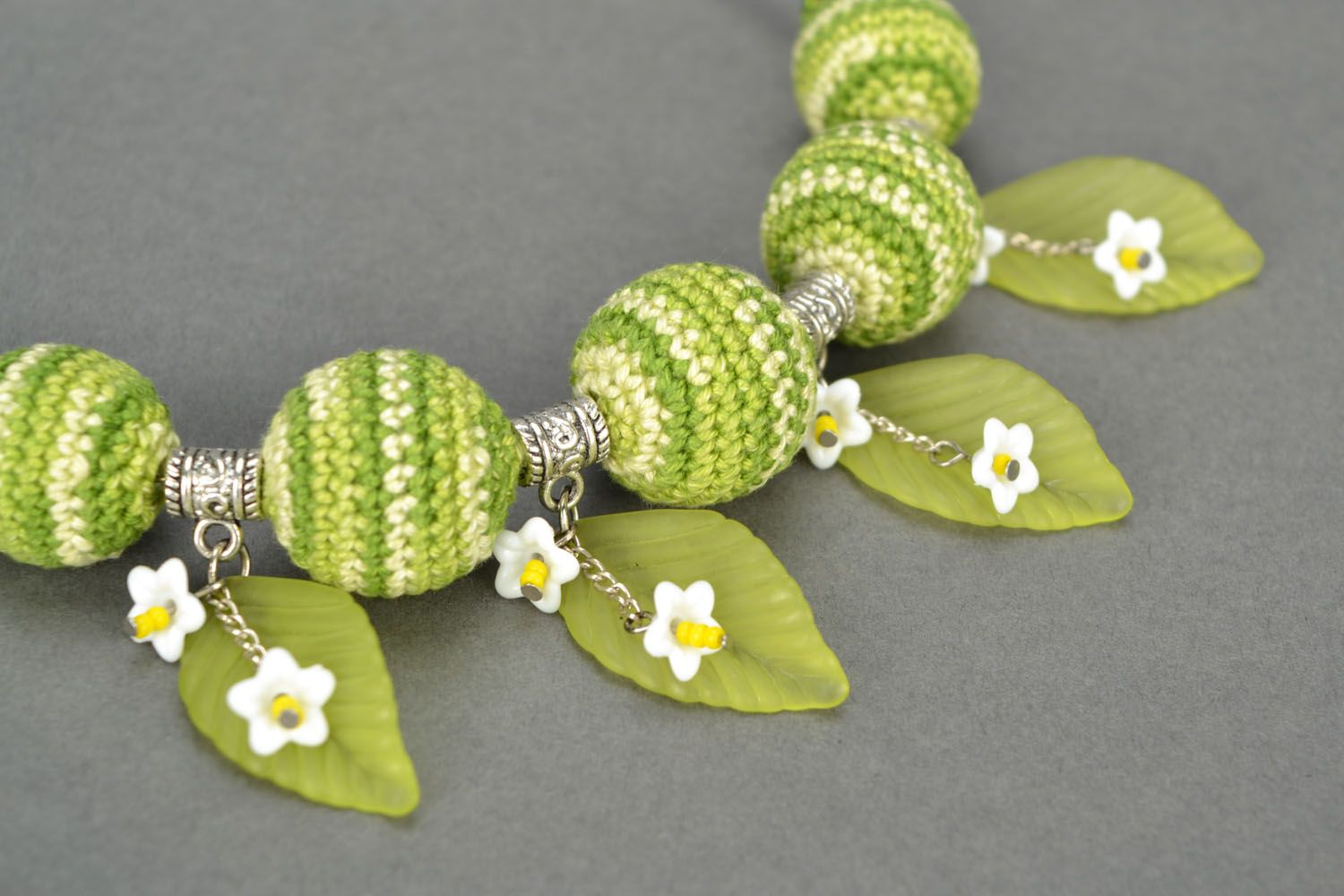 Necklace with crocheted round beads photo 3
