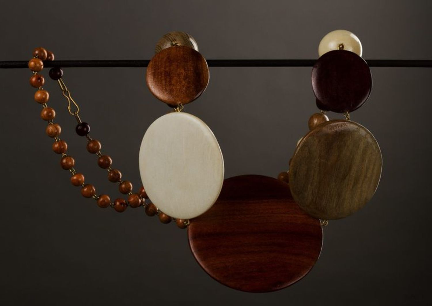 Handmade wooden necklace photo 1