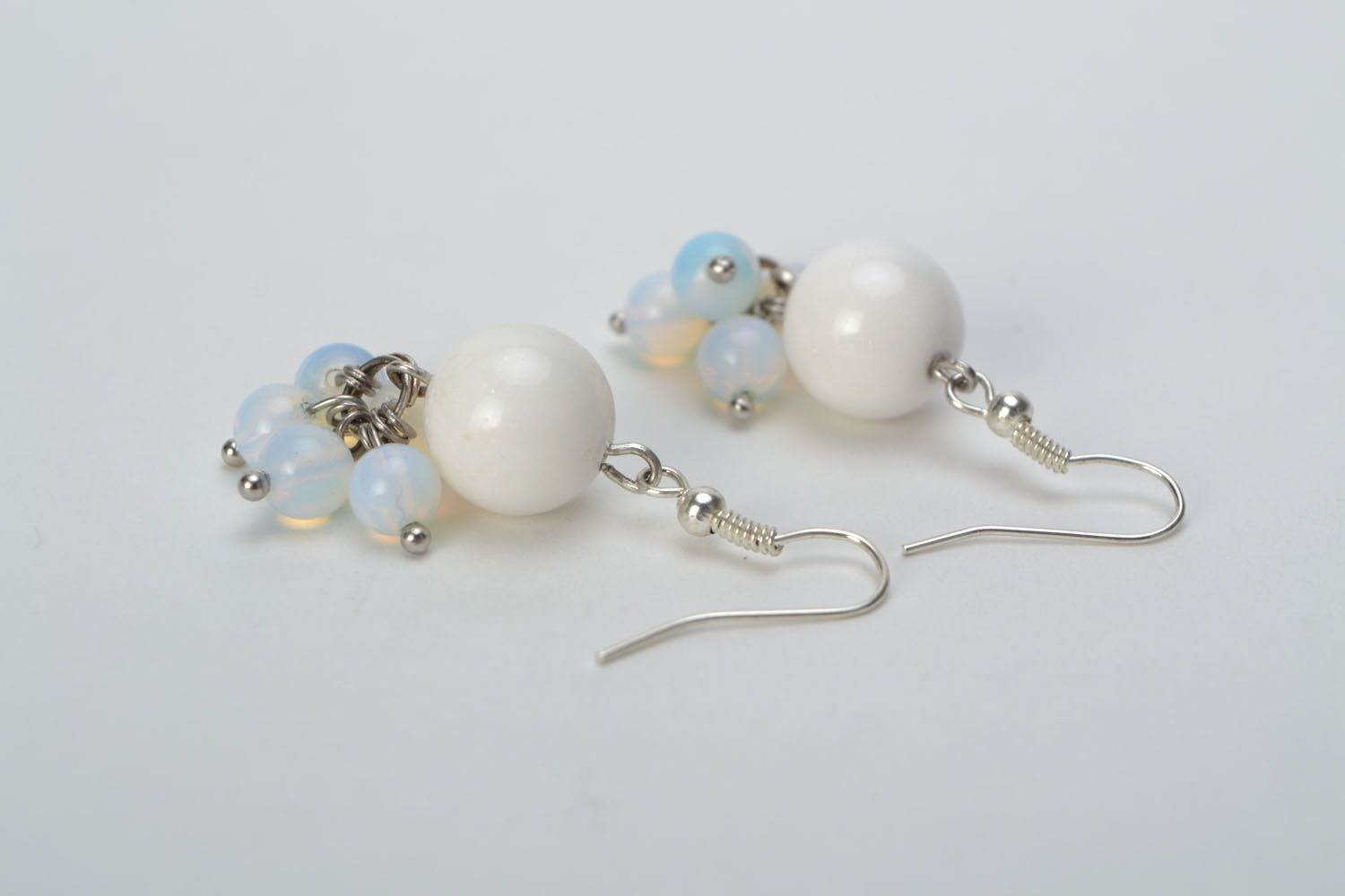 Earrings with white agate and moonstone photo 5