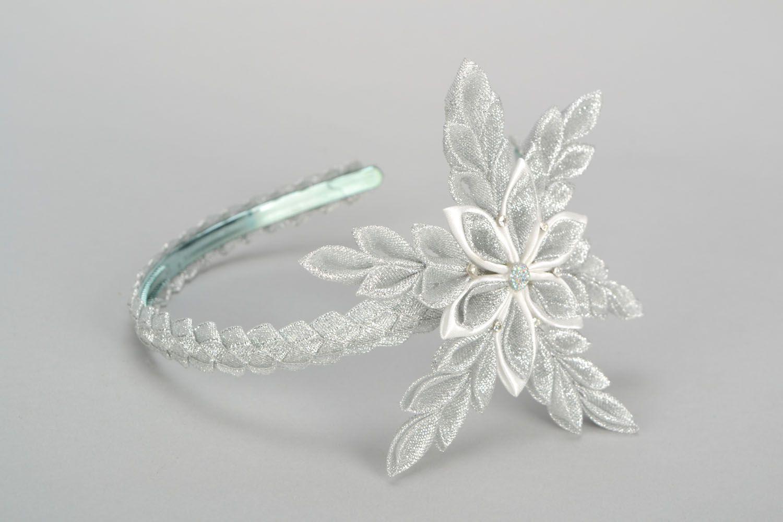 Headband with snow-white flower photo 3
