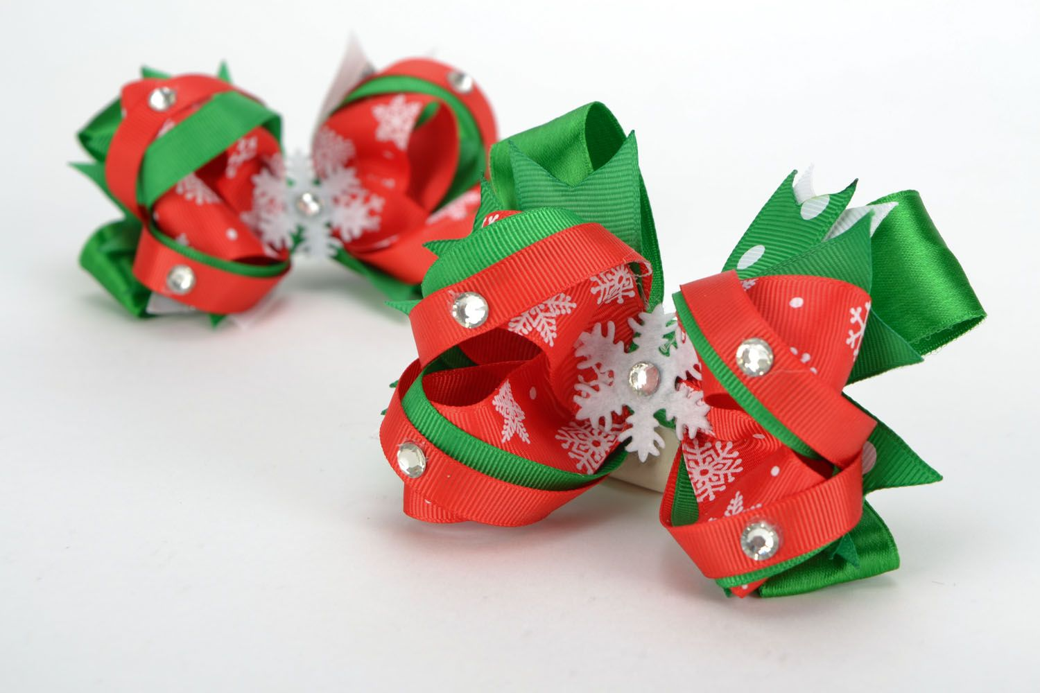 Hair clips with rep ribbons Christmas photo 2