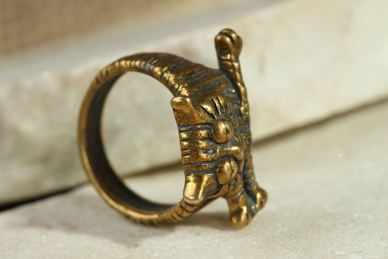 Bronze ring Lazy Cat photo 2